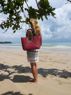 handmade straw bags from thailand,visit our website  WWW.DIODONNA.NL