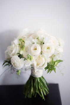 White ranunculus: http://www.stylemepretty.com/australia-weddings/new-south-wales-au/sydney/2015/05/06/elegant-romantic-sydney-wedding/ | Photography: Jonathan Wherrett - http://www.jonathanwherrett.com/
