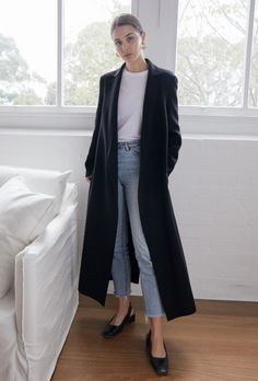 The Forever Piece: A Black Coat (Harper & Harley) The Forever Piece: Ein schwarzer Mantel Black Jacket Outfit, Long Coat Outfit, Winter Coat Outfits, Trench Coat Outfit, Black Dress Coat, Mode Outfits, Casual Outfits, Fashion Outfits, Dress Casual