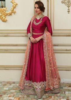 Pakistani Fancy Dresses, Pakistani Dress Design, Pakistani Outfits, Indian Dresses, Indian Wedding Outfits, Indian Outfits, Lehenga Color Combinations, Lehenga For Girls, Choli Dress
