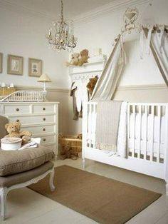 Un cuarto con colores neutros siempre se ve muy clásico y elegante para los bebitos.