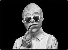 Creatieve mode fotografie Bela Borsodi.  Bela Borsodi is in 1966 in Wenen geboren. Na grafisch ontwerp en fine art te hebben gestudeerd begon hij als een fotograaf te werken. In 1992 verhuisde Bela naar New York en in 1999 richtte hij zich o  p het fotograferen van stillevens, wat nog steeds de belangrijkste onderdeel van zijn werk is. Bela woont en werkt nog steeds in New York.  Wil jij ook niet zijn zéér bijzondere werk bekijken?…