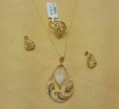 . Gold Pendent, Pendant Set, Diamond Pendant, Diamond Jewelry, Gold Jewelry, India Jewelry, Jewelry Sets, Indian Wedding Jewelry, Diamonds And Gold