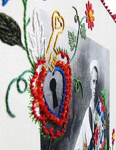 Bai feliz buando, no bico dum passarinho n° 6(série Portugal - lenços de namorados)- detalhe   de Fábio Carvalho   reprodução fotográfica montada sobre tela, bico de renda e passamanaria, bordado à mão, apliques industriais, cistais falsos   2012   47 x 38 cm