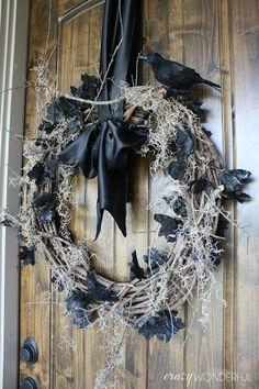 Crazy Wonderful: spooky halloween wreath, halloween decor, halloween porch idea, crow wreath