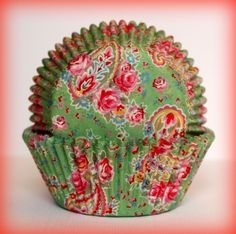 beautiful shabby chic cupcake wrappers
