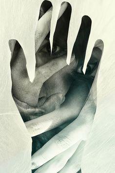 C'est lui est plus facile d'avancer si tu ne laches pas sa main.