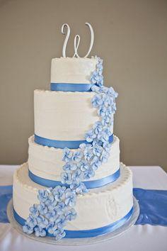 Light blue layered wedding cake - such beautiful flowers #wedding #weddingcake #cake #blue #flowers