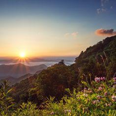 Peeking over the Horizon, Great Smoky Mountains, NC North Carolina Mountains, Mountain Vacations, Hdr Photography, Great Smoky Mountains, National Parks, Outdoor, Outdoors, Outdoor Games, Garden