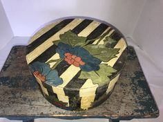 EARLY ANTIQUE ROUND WOODEN PAINTED PANTRY BOX FOLK ART | eBay