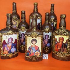 OK - Salvabrani - Salvabrani Wine Bottle Art, Painted Wine Bottles, Diy Bottle, Wine Bottle Crafts, Bottles And Jars, Glass Bottles, Creative Crafts, Diy And Crafts, Terracotta Jewellery