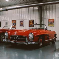 Classic German Beauty: Mercedes Benz #300SL (via http://instagram.com/p/tYK2pzGBsv/?modal=true )