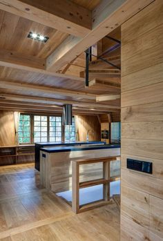 Svatý Petr by Znameni Ctyr Architekti | Photo © Tomas Soucek mountain cabin style wooden interior http://www.woodz.co/holiday-chalet-saint-peter/