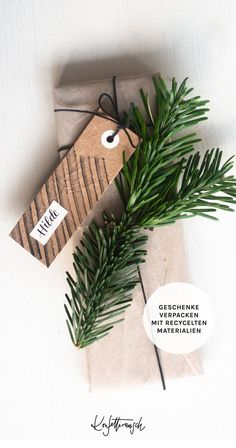 Upcycling: DIY Geschenkanhänger aus Restmaterialien wie altes Packpapier, Graupappe und einem alten Marker. Washi Tape, Marker, Paper Mill, Diy Gifts, Stationery Store, Diy Gift Tags, Brown Paper, Ideas For Gifts, Markers