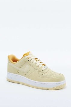 newest ecc1e 7866c Nike Air Force 1 Yellow Suede Trainers