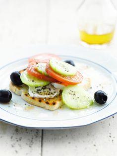 """Het lekkerste recept voor """"Eenvoudige griekse salade"""" vind je bij njam! Ontdek nu meer dan duizenden smakelijke njam!-recepten voor alledaags kookplezier! I Love Food, Salmon Burgers, Easy Meals, Easy Recipes, Vegetarian Recipes, Salads, Brunch, Veggies, Homemade"""