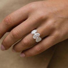 Three Stone Engagement Rings, Three Stone Rings, Wedding Rings Vintage, Vintage Rings, 3 Karat, Or Rose, Fashion Rings, Just In Case, Diamonds