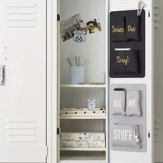 20 Cute Locker Decorations - DIY Locker Accessories and Decorating Ideas Middle School Lockers, Middle School Supplies, Diy School Supplies, Locker Supplies, Decorated School Lockers, School Ideas, School Hacks, School Projects, Diy Organisation