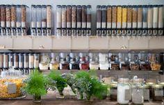 Ohne is de allereerste winkel in Gent waar je voeding en andere producten koopt op een afvalarme manier. Dozen of zakken neem je zelf mee!