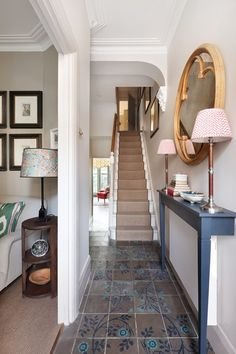 [i]The hall opens into the sitting room and leads through to the kitchen.[/i] L… [i]The hall opens into the sitting room and leads through to the kitchen.[/i] L… – - Beliebt Dekoration Regal Entrance Hall Decor, Hallway Ideas Entrance Narrow, Modern Hallway, Small Entrance Halls, Corridor Ideas, Flur Design, Home Design, Interior Design, Design Ideas