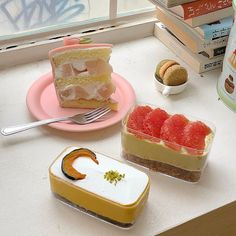love ourself, love others Mochi Cake, Dessert Packaging, Cute Desserts, Cafe Food, Bakery Recipes, Aesthetic Food, Pretty Cakes, Food Photo, Sweet Treats