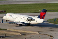 Endeavor Air   Delta Connection (Endeavor Air) Bombardier CRJ-200 N8972E KCMH 09AUG13