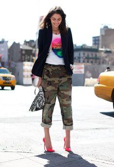 Tanja mixes army pants with pink Louboutins, image by Garance Doré Camo Fashion, Fashion Mode, Girl Fashion, Fashion Outfits, Fashion Hats, Fashion Styles, Style Fashion, Fashion Beauty, Womens Fashion