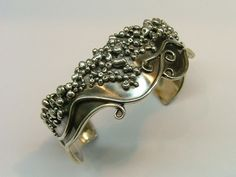 Google Image Result for http://www.maremmaguide.com/image-files/unique_silver_jewellery_500.jpg