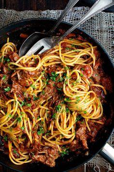 Slow Cooked Shredded Beef Ragu Pasta