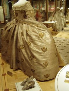 Coronation dress of Catherine the Great  (GODS how I am glad that we don't wear panniers anymore!)