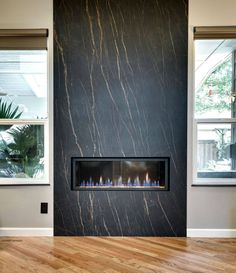 Most up-to-date Screen Contemporary Fireplace marble Concepts Modern fireplace designs can cover a broader category compared to their contemporary counterparts. Fireplace Feature Wall, Fireplace Tv Wall, Fireplace Remodel, Modern Fireplace, Bedroom Fireplace, Granite Fireplace, Marble Fireplace Surround, Marble Fireplaces, Fireplace Surrounds
