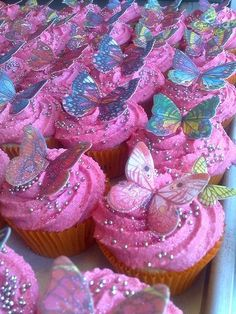 Ideas For Cupcakes Decorating Pink Butterfly Garden Party, Butterfly Birthday Party, Butterfly Baby Shower, Fairy Birthday, Pink Butterfly, Butterflies, Butterfly Cupcakes, Pink Cupcakes, Birthday Cupcakes