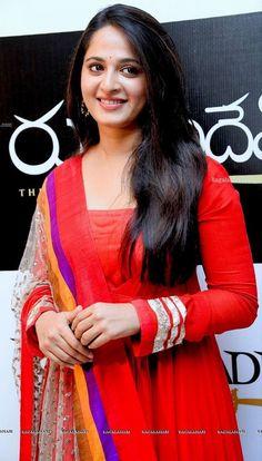 Beautiful Bollywood Actress, Most Beautiful Indian Actress, Beautiful Actresses, Most Beautiful Faces, Beautiful Long Hair, Beautiful Women, Beauty Full Girl, Beauty Women, Beautiful Girl Hd Wallpaper