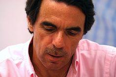 Aznar en la firma de una de sus obras en el año 2009.