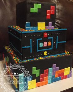 Old school gamer cake; Pacman and Tetris