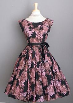 Vintage 50's party frock.  Love the print and the color.