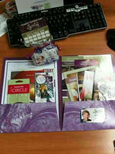 Great recruiting packets.  http://briannaclark.scentsy.us