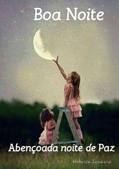 """""""A noite sempre nos traz um convite para refletirmos sobre qual o curso estamos determinando à nossa jornada aqui na Terra. Que a energia do Criador que move todo o universo nos inunde de paz, sabedoria e nos proporcione um bom descanso... E, sobretudo que alcancemos a alegria de amanhecermos mais um dia da nossa grande viagem aqui...Que sua noite seja de muita Paz e lindos sonhos."""""""