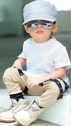 Possibly the most delightful seeking newborn baby guy outfit, look up most of the essentials like pajamas, whole body suits, bibs, plus much more. Fashion Kids, Toddler Boy Fashion, Little Boy Fashion, Girl Toddler, Cute Baby Girl Pictures, Baby Girl Images, Baby Boy Dress, Baby Boy Swag, Stylish Little Boys