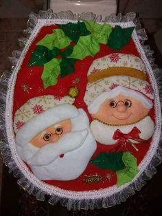Feeling Song, Christmas Crafts, Christmas Tree, Christmas Applique, Ideas Para, Santa, Lily, Holiday Decor, Crochet