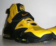 new style d319b 239b9 Nike Air Max Express - Speed Yellow - Black