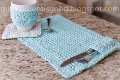 Loom Knit Kitchen Set Pattern...FREE!! Place mat with utensil holder, Cable mug cozy and Coaster.  Make your Kitchen cheerful this spring!