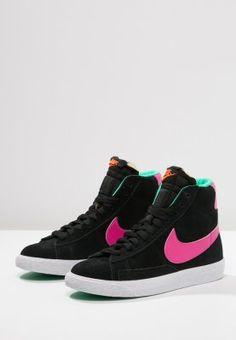03b405b772ae 39 meilleures images du tableau Nike Addict