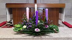 수원교구 아미동성당 대림첫째주 Church Altar Decorations, Church Christmas Decorations, Christmas Advent Wreath, Altar Flowers, Church Flowers, Christmas Flower Arrangements, Christmas Flowers, Church Banners Designs, Advent Candles