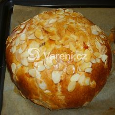 Vypečený velikonoční mazanec recept - Vareni.cz Czech Recipes, Ethnic Recipes, Easy Cooking, Cooking Recipes, A Food, Food And Drink, Nutella, Bread Recipes, Sweet Recipes