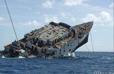 тонет корабль - Поиск в Google