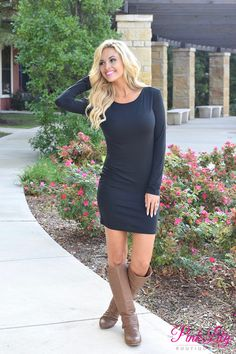 Our lightweight Piko dresses are a beautiful way to transition into fall! This classic little black dress is made for layering and for the unpredictable weather of transitioning seasons