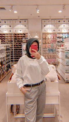 Modest Fashion Hijab, Modern Hijab Fashion, Street Hijab Fashion, Casual Hijab Outfit, Hijab Fashion Inspiration, Ootd Hijab, Muslim Fashion, Modest Outfits, Simple Outfits