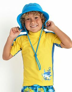 Cover your little one up in this colourful Boys Coastal Short Sleeve Rashie from Tiger Joe by Seafolly that is suitable for boys aged 1 - 6 years. This rashie is perfect to wear at the beach or around the pool and offers excellent protection of UPF 50+ from the sun, and has high neck and cool design . Team it up with the Coastal Board Shorts for the coolest boys beach outfit this summer