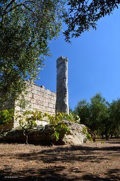 www.apuliadestination.com Lo splendido Menhir San Giovanni Malcantone di Uggiano La Chiesa (Salento - Puglia - Italy)